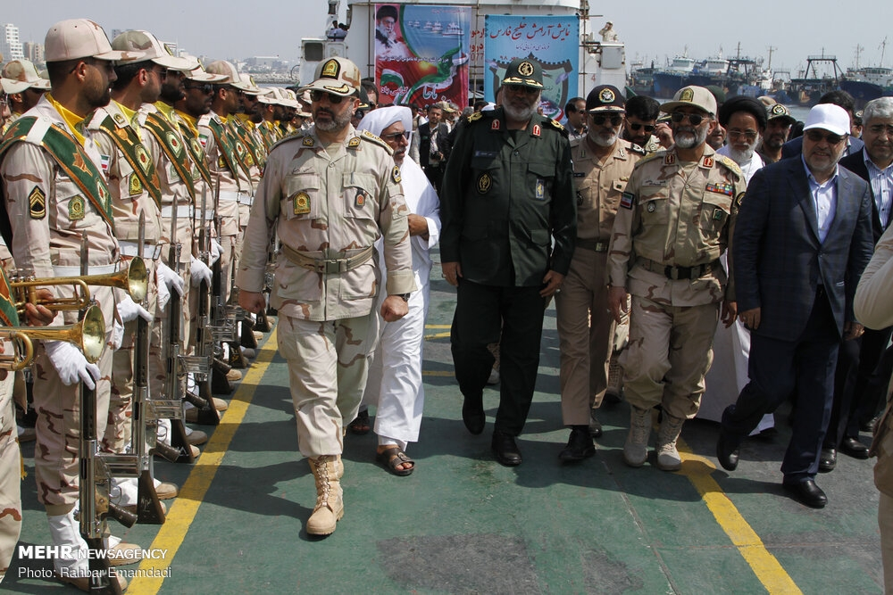 Police's naval drill in Persian Gulf gallery image 2