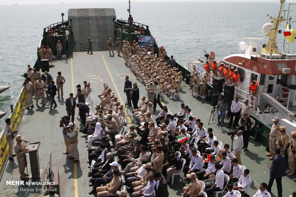 Police's naval drill in Persian Gulf gallery image 3