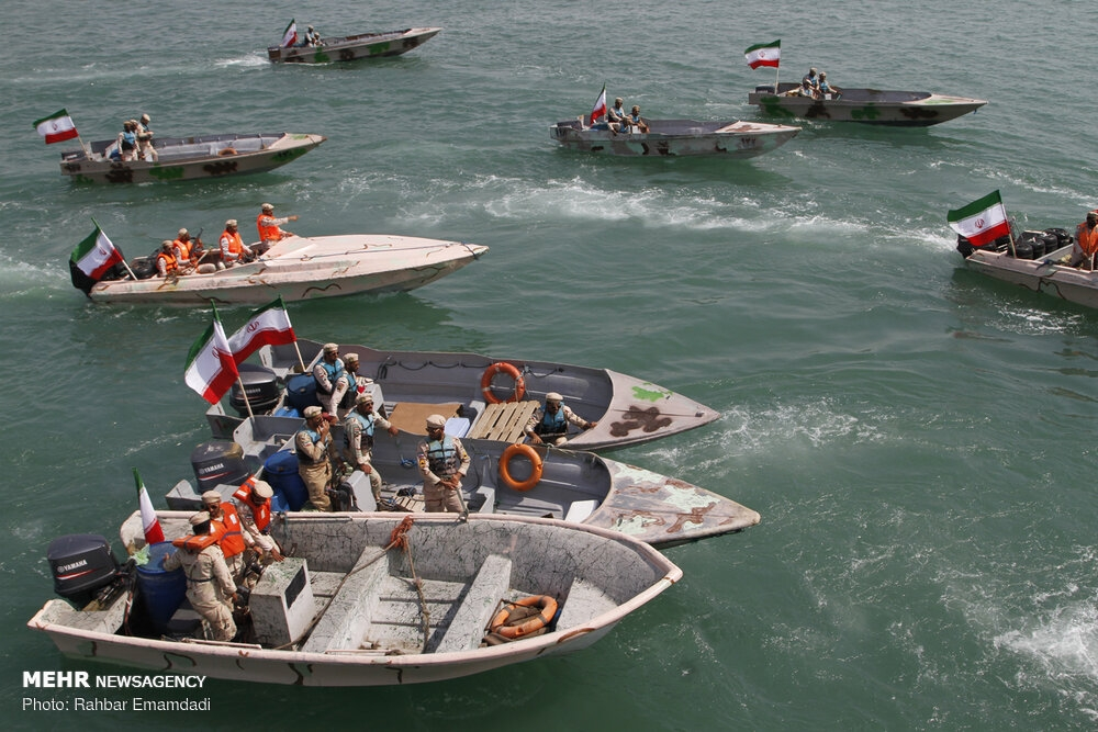 Police's naval drill in Persian Gulf gallery image 4