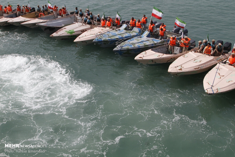Police's naval drill in Persian Gulf gallery image 5