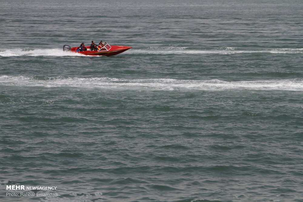 Police's naval drill in Persian Gulf gallery image 7