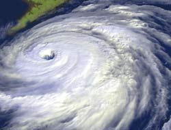 Hurricanes will hit US in 2007