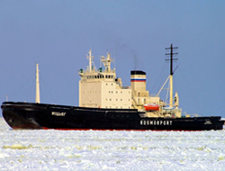 Convoys escorted by icebreaker