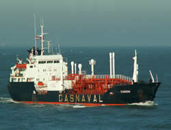 Tanker attacked by pirates