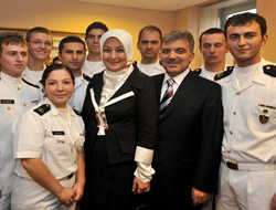 Maritime's students meet with Gul