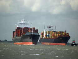 Contanier shipping rates diving