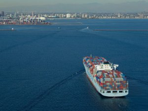 Carriers Add Ships to Ease US West Coast Congestion Woes