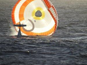 MS Veendam Rescues Pilot from Pacific Crash