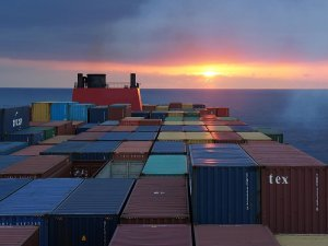 Hubline Pulls Out of Container Shipping Business