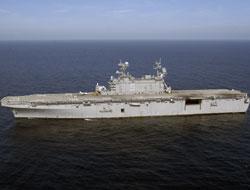 Danish warship saves pirates