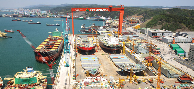 Hyundai Heavy's New 10,000 Ton Capacity Crane Vessel Completed
