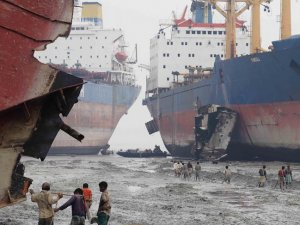 Asian Beaches the Target of New EU Ship Recycling Rules