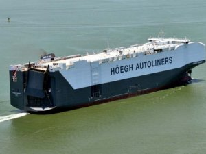 World's Largest Pure Car and Truck Carrier Enters Service