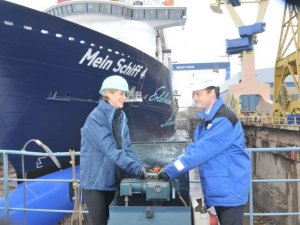 Contract for New Generaton LNG powered Fast Ferry signed