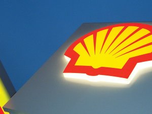 Shell Stops Alaska Oil Drilling