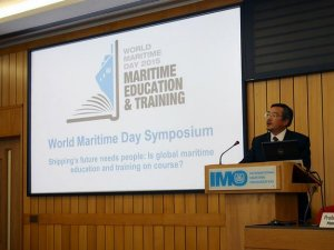 Internet Access aboard Ships Key to Attract Youth to Seafaring