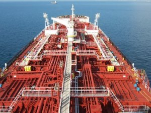 Tanker rate spike dents efforts to store oil glut at sea