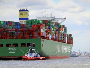 Asia-N.Europe freight rates drop 50.4 percent