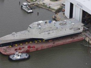 U.S. Defense Secretary Calls for Naval Shipbuilding Cuts