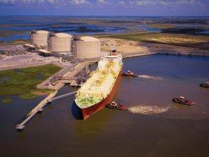 JBIC Bankrolls Diamond LNG Shipping Duo