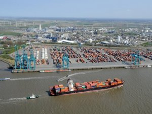 Antwerp port boss calls for close alliance with Rotterdam
