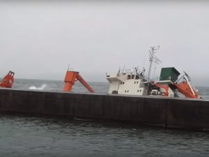 Russian Ship Aground in Japan, 18 Evacuated