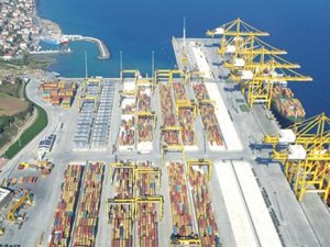 Ports eye expansion as 'mega-ships' appear