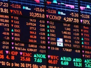 US stocks mixed amid ECB rate decisions, oil slide