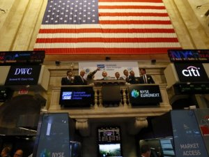 US stocks mixed ahead of Fed rate hike decision