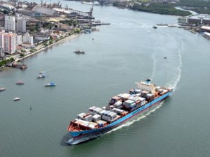 Santos Port stevedores to strike on monday