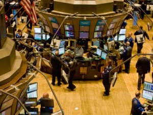 US stock market ends week flat