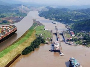 Panama invites China and Taiwan for Canal Ceremony