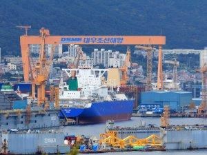 Korean Exchange Tells World's No. 2 Shipbuilder to Improve Financials Or Else