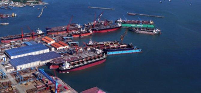 China COSCO to Buy Its Unit's Shipyards