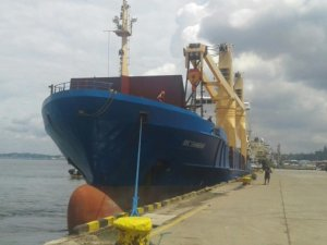 SAMSA: Stricken BBC Shanghai Towed to Dock