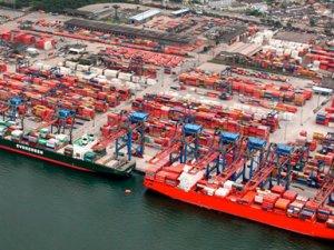 Stevedores' Strikes Block Brazilian Ports