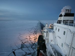 Moving to Clean Fuels Could Reduce Risk for Arctic Shipping, Report Finds