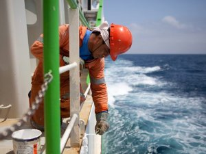 SRI: Gov'ts Should Push for Fair Treatment of Seafarers