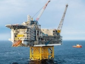 UK offers 12 North Sea licenses for award