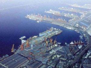 Dalian Port integtares container terminal assets