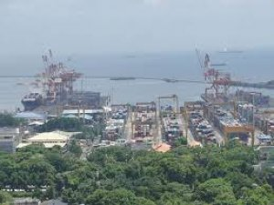 More Manila traffic woes as shipping expands