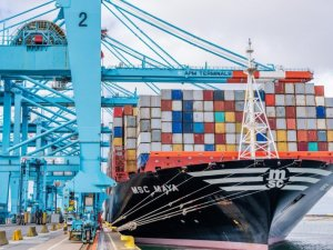 APM Terminals sells out to Cosco at Zeebrugge