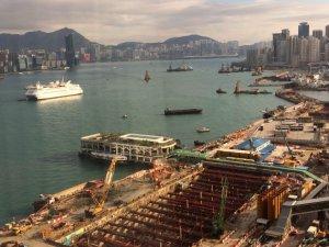 Hong Kong Looks to Ride Out Boxship Turmoil