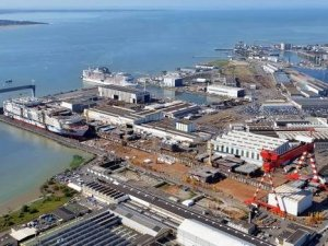 France Sees Quick Accord on STX, Sees Naval Deal Taking Longer