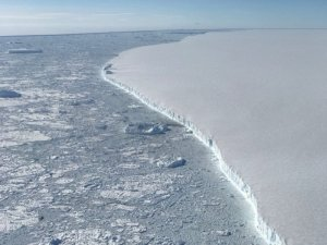 NASA Scientists Get Up-Close Look at Massive Iceberg 'Roughly the Size of Delaware'