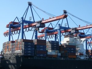 Container shipping: testing the strength of the market makes spot rates drop