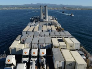 U.S. Navy Joins Puerto Rico Sealift Effort