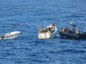 Italian Marines Detain Six Suspected Pirates