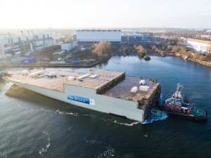 AIDAnova Engine Room Module Leaves Rostock