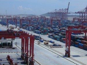 Shanghai Port Sets New World Record